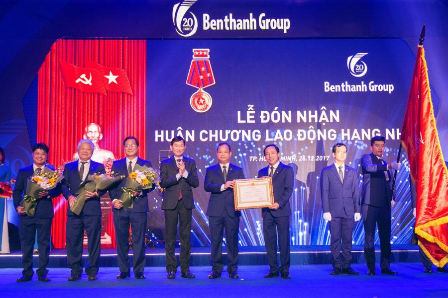 Benthanh Group đón nhận Huân chương Lao động hạng Nhất