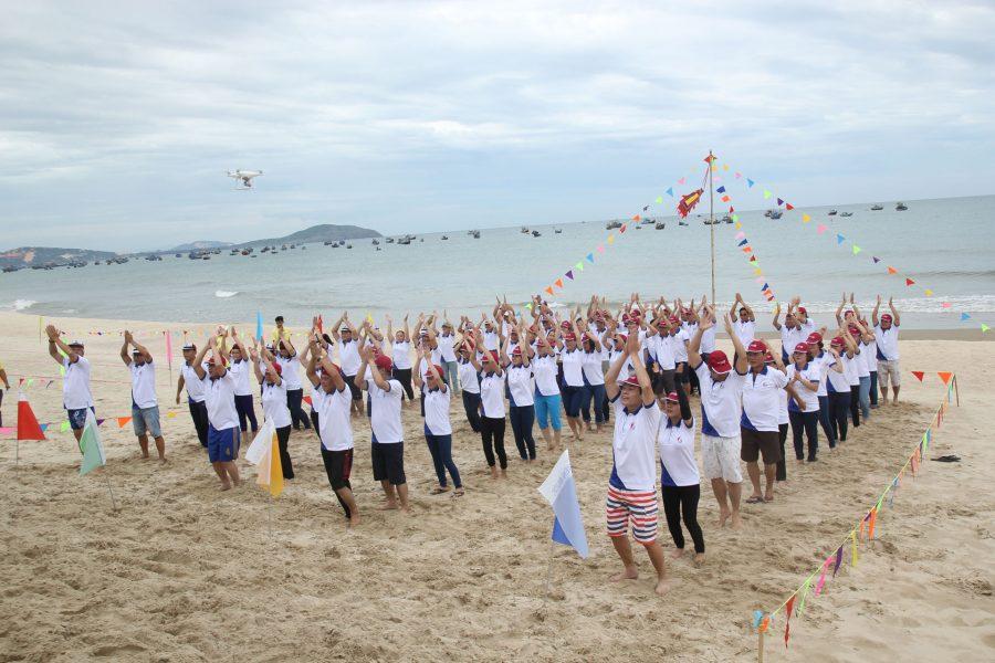 """Team Building Benthanh Group 2017 với chủ đề """"20 năm – Gắn kết thành công, Vững vàng tiến bước"""""""