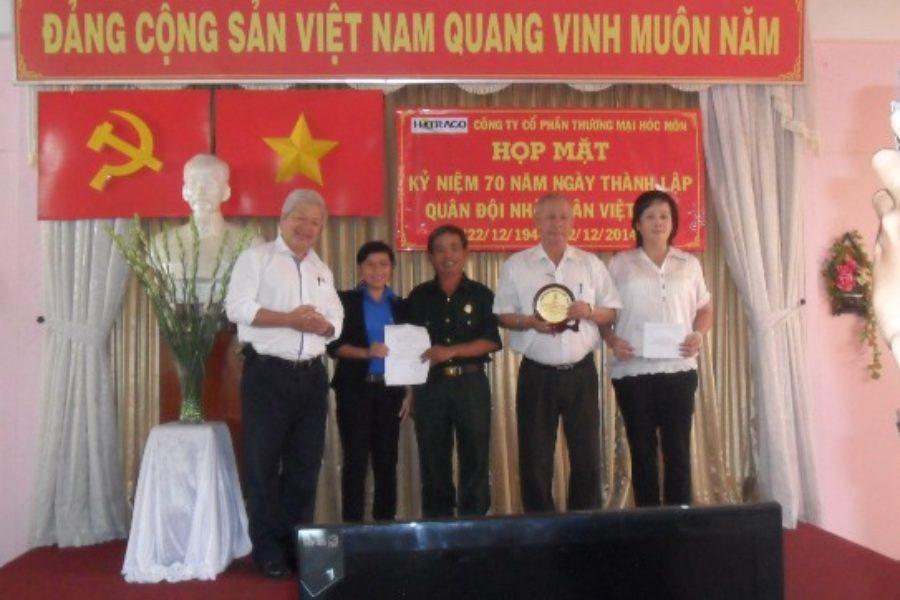 Công đoàn Tổng Công ty Bến Thành khen thưởng 3 đơn vị hoàn thành sớm kế hoạch 2014