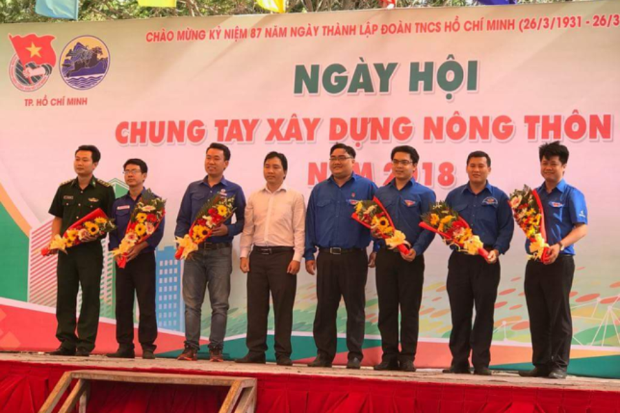 Đoàn Tổng Công ty Bến Thành tích cực tham gia Ngày Hội chung tay Xây dựng Nông thôn mới năm 2018