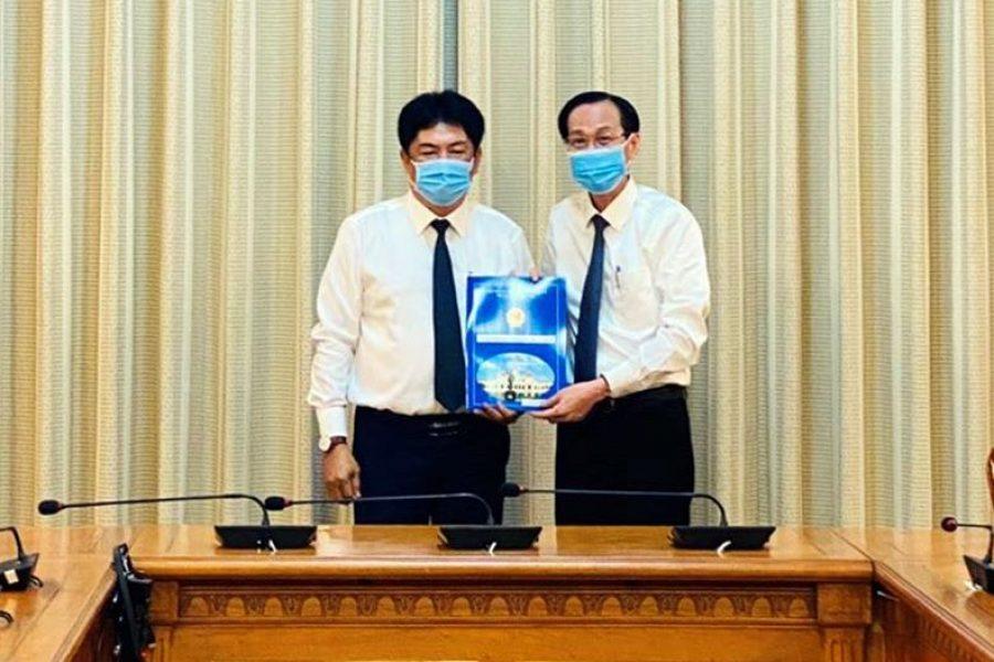 UBND TP. Hồ Chí Minh trao quyết định bổ nhiệm tân Phó Tổng Giám đốc Tổng Công ty Bến Thành